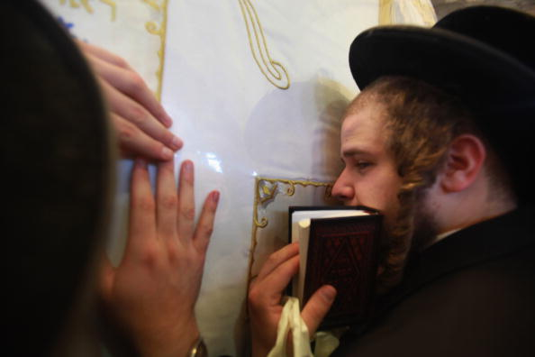 West Bank「Ultra-Orthodox Jews Flock To The Tomb Of Biblical Matriarch Rachel」:写真・画像(16)[壁紙.com]