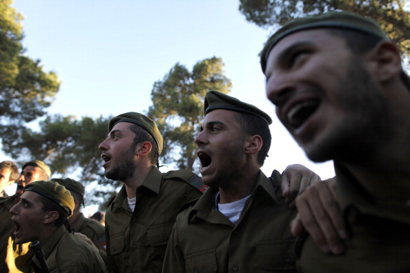 Volunteer「Graduation Ceremony For Ultra-Orthodox Soldiers」:写真・画像(16)[壁紙.com]