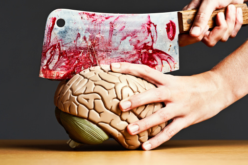 Unrecognizable Person「Stop messing with my head! Female bloodily dissects model brain」:スマホ壁紙(2)