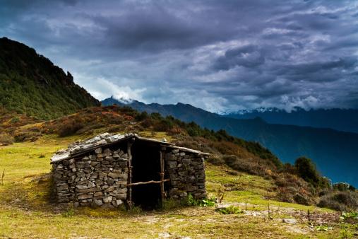 Himalayas「Shepherd's hut in Himalaya Range」:スマホ壁紙(17)