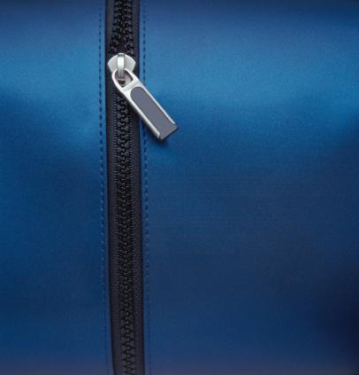 Closed「Zipper Closeup」:スマホ壁紙(0)