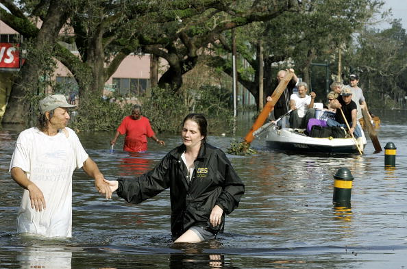Recovery「Gulf Coast Begins Cleanup In Katrina's Aftermath」:写真・画像(10)[壁紙.com]