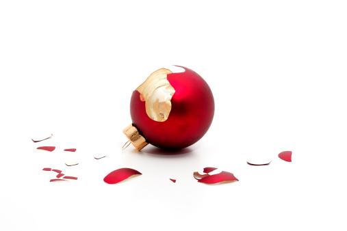 Broken「broken christmas bauble」:スマホ壁紙(16)