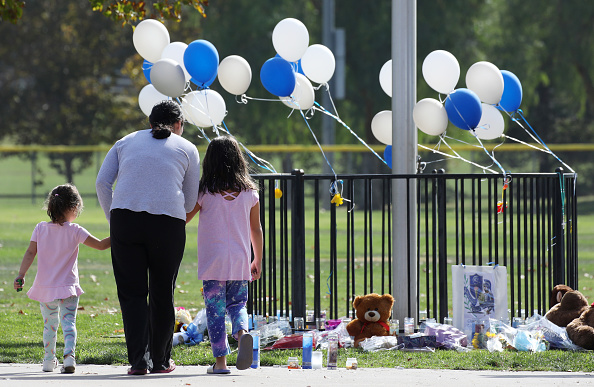 Shooting - Crime「Two Killed In School Shooting In Santa Clarita, California」:写真・画像(16)[壁紙.com]