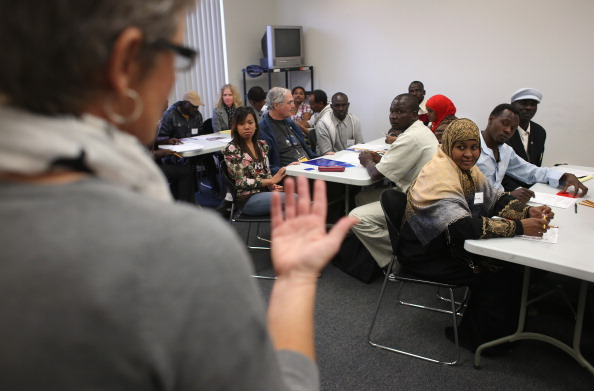 Arizona「IRC Assists Immigrant Refugees To Adjust To Life In America」:写真・画像(5)[壁紙.com]
