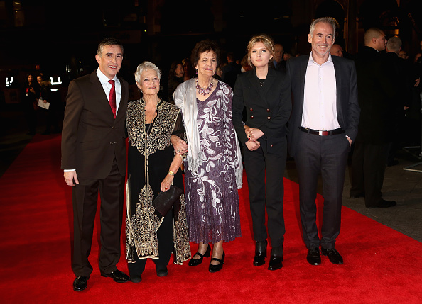 "Odeon Leicester Square「""Philomena"" - American Express Gala - Red Carpet Arrivals: 57th BFI London Film Festival」:写真・画像(17)[壁紙.com]"
