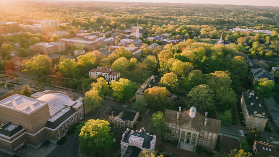 Drone Point of View「Aerial over the University of North Carolina in the Spring」:スマホ壁紙(17)