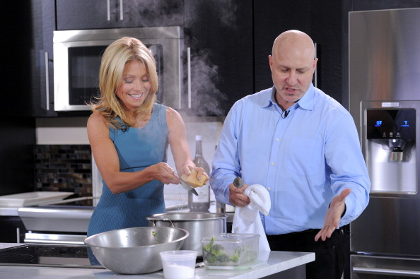 Recipe「Kelly Ripa, Tom Colicchio & Electrolux Dial Down The Drama Of Last-Minute Entertaining」:写真・画像(16)[壁紙.com]