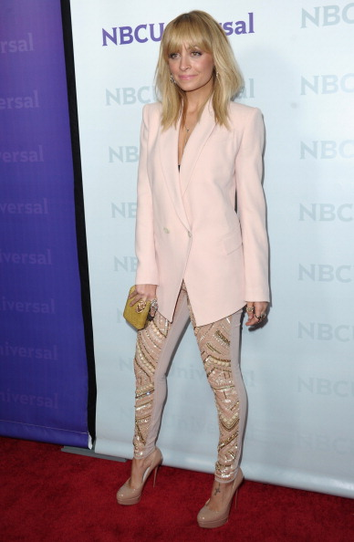 Nude Colored Pants「NBC Universal 2012 Winter TCA Press Tour All-Star Party」:写真・画像(6)[壁紙.com]