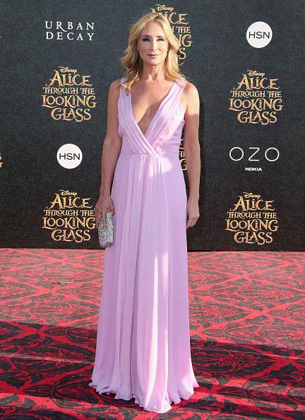 "Sleeveless「Premiere Of Disney's ""Alice Through The Looking Glass"" - Arrivals」:写真・画像(16)[壁紙.com]"