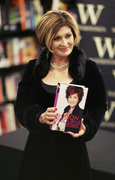 Autobiography「Sharon Osbourne - Book Signing」:写真・画像(10)[壁紙.com]