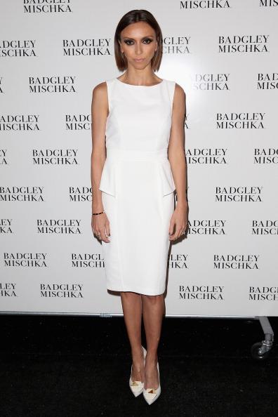 Round Neckline「Badgley Mischka - Backstage- Mercedes-Benz Fashion Week Fall 2014」:写真・画像(13)[壁紙.com]