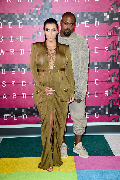 Kanye West - Musician「2015 MTV Video Music Awards - Arrivals」:写真・画像(5)[壁紙.com]