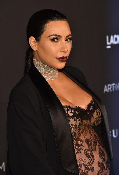 Maroon Lipstick「LACMA 2015 Art+Film Gala Honoring James Turrell And Alejandro G Iñárritu, Presented By Gucci - Red Carpet」:写真・画像(9)[壁紙.com]