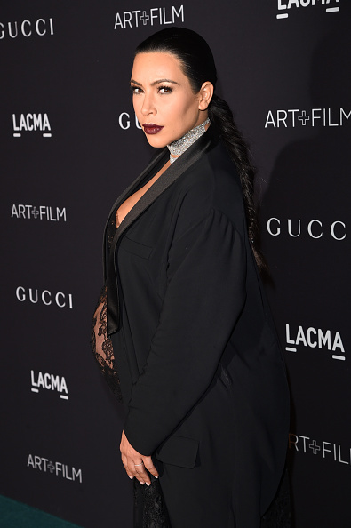 肩ごしに見る「LACMA 2015 Art+Film Gala Honoring James Turrell And Alejandro G Iñárritu, Presented By Gucci - Red Carpet」:写真・画像(2)[壁紙.com]