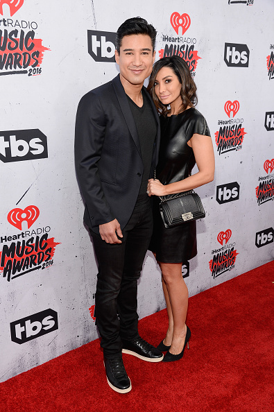 Mario Lopez「iHeartRadio Music Awards - Red Carpet」:写真・画像(1)[壁紙.com]