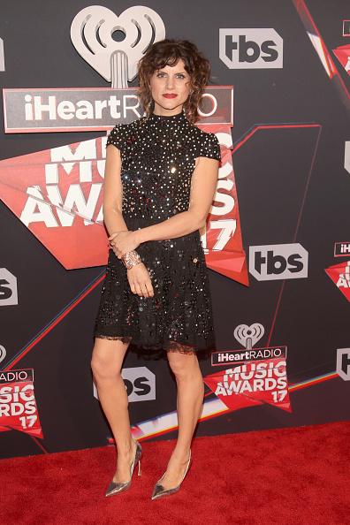 ポインテッドトゥ「iHeartRadio Music Awards - Red Carpet Arrivals」:写真・画像(15)[壁紙.com]