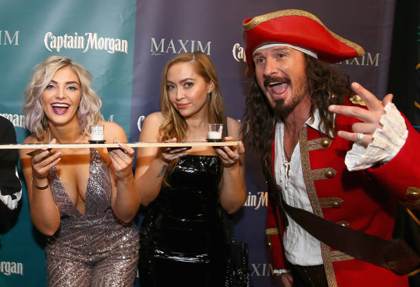 Super Bowl LII「Captain Morgan Helps Raise Money for Charity At The 2018 Maxim Party」:写真・画像(14)[壁紙.com]