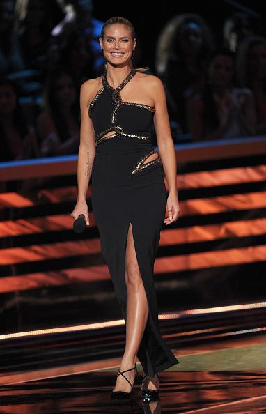 Halter Top「39th Annual People's Choice Awards - Show」:写真・画像(9)[壁紙.com]