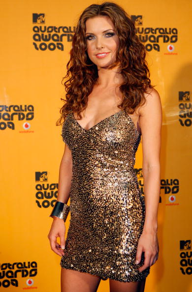 Curly Hair「Awards Room At The MTV Australia Awards 2009」:写真・画像(18)[壁紙.com]