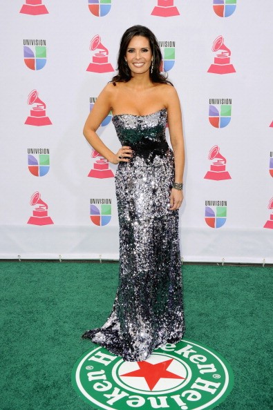 Silver Colored「The 13th Annual Latin GRAMMY Awards - Arrivals」:写真・画像(10)[壁紙.com]