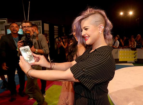 Kelly public「2015 MTV Video Music Awards - Red Carpet」:写真・画像(18)[壁紙.com]