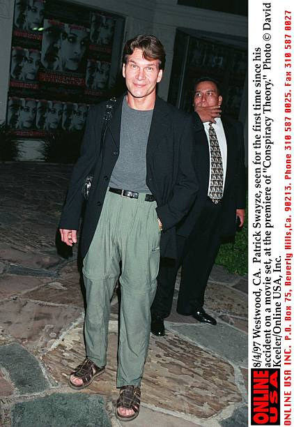 8/4/97 Westwood, CA. Patrick Swayze, seen for the first time since his accident on a movie set, at t:ニュース(壁紙.com)