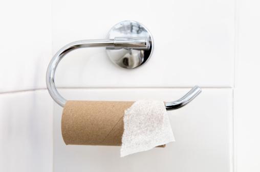 Gloucestershire「Empty loo roll on holder in bathroom」:スマホ壁紙(19)