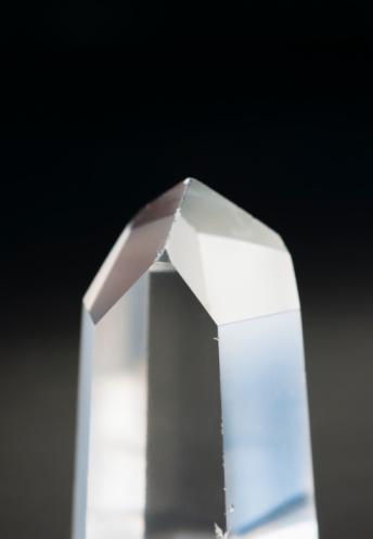 Crystal「A pure quartz crystal」:スマホ壁紙(15)