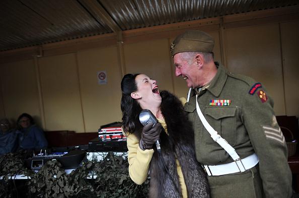 Recreational Pursuit「Enthusiasts Take Part In East Lancashire Railway's 1940s Re-enactment Weekend」:写真・画像(16)[壁紙.com]