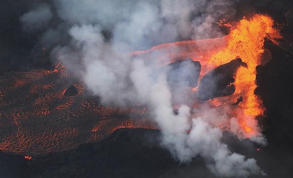 Hawaii Islands「Hawaii's Kilauea Volcano Erupts Forcing Evacuations」:写真・画像(9)[壁紙.com]
