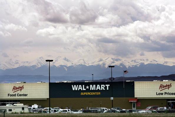 Mountain Range「Wal-Mart Dominates U.S. Retail Economy」:写真・画像(2)[壁紙.com]