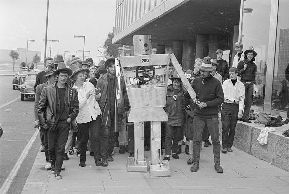 William Lovelace「Friendly Robot」:写真・画像(18)[壁紙.com]