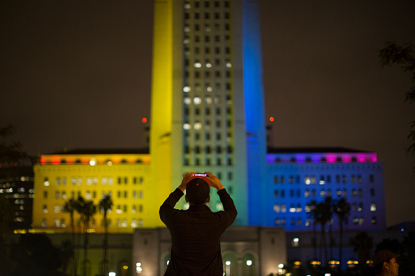Shooing「Nation Mourns Victims Of Worst Mass Shooting In U.S. History」:写真・画像(13)[壁紙.com]