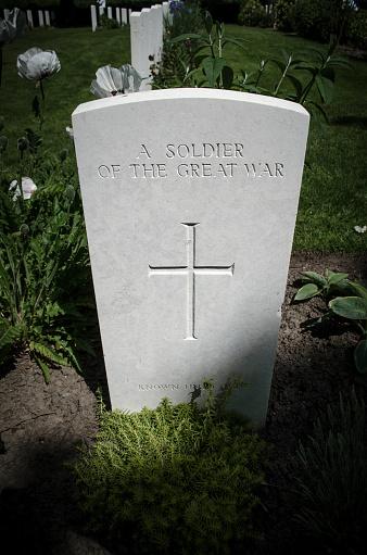 Belgium「Grave of unknown soldier in World War I cemetery near Ypres, Belgium」:スマホ壁紙(11)