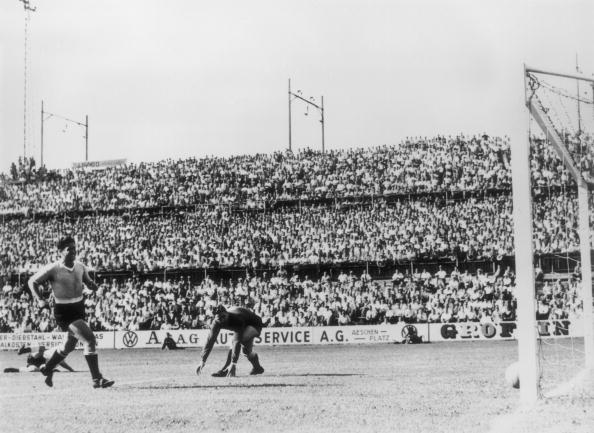 1950-1959「World Cup Football」:写真・画像(2)[壁紙.com]