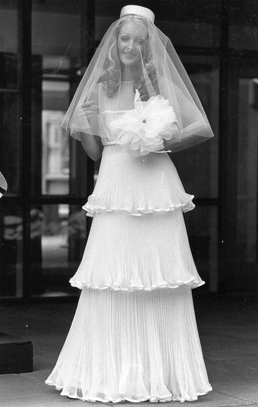 Wedding Dress「Wedding Dress」:写真・画像(16)[壁紙.com]