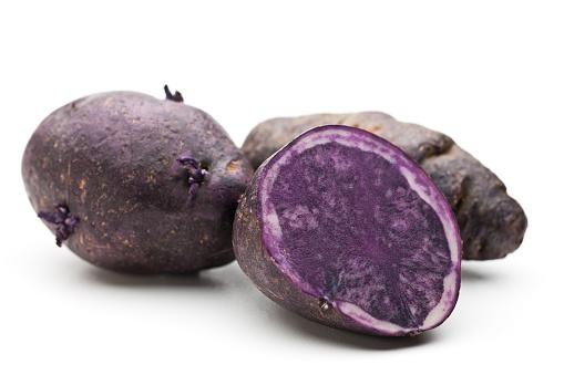 Peruvian Potato「Two whole and one sliced purple potato」:スマホ壁紙(1)