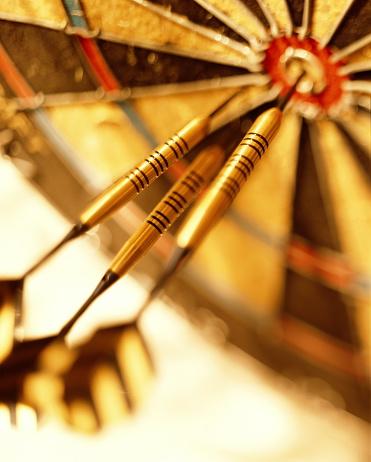 Sports Target「Three darts in dartboard, close-up」:スマホ壁紙(11)