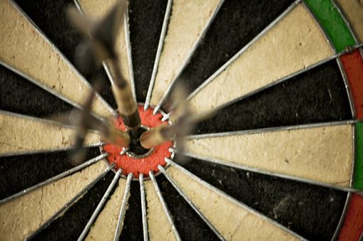 Sports Target「Three Darts in Bullseye of Dart Board」:スマホ壁紙(7)