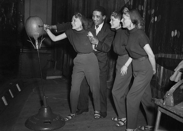 Fred Ramage「Battling Beverley Sisters」:写真・画像(11)[壁紙.com]