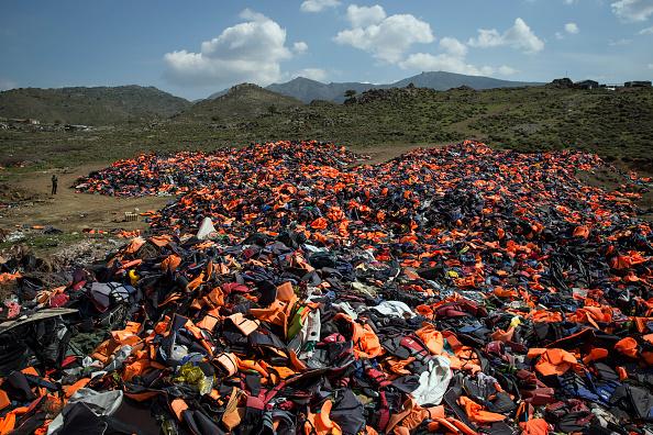 Obsolete「Lesbos Struggles With Refugee Crisis」:写真・画像(1)[壁紙.com]
