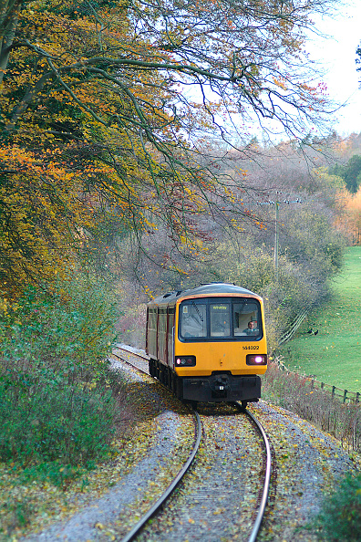 North「The Esk Valley is a scenic route between Middlesbrough and Whitby which uses one trainset to provide all the daily services. Typical of the route is this Middlesbrough - Whitby service approaching Egton through the autumnal colouring of the valley. Novem」:写真・画像(18)[壁紙.com]