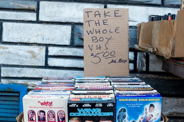 Second Hand Sale「VHS Video Cassettes」:写真・画像(1)[壁紙.com]