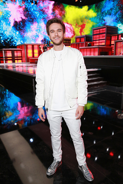 "Gray Color「Target Brings Together Zedd, Maren Morris and Grey for a Special New Music Video for their Single ""The Middle""」:写真・画像(15)[壁紙.com]"