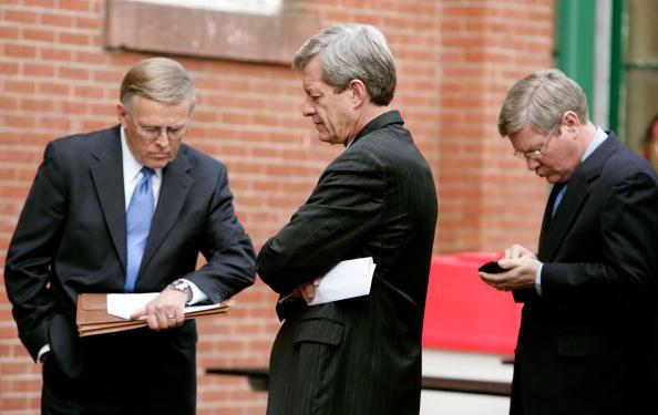 Wristwatch「Senate Democrats Call For Gas Price Relief」:写真・画像(13)[壁紙.com]