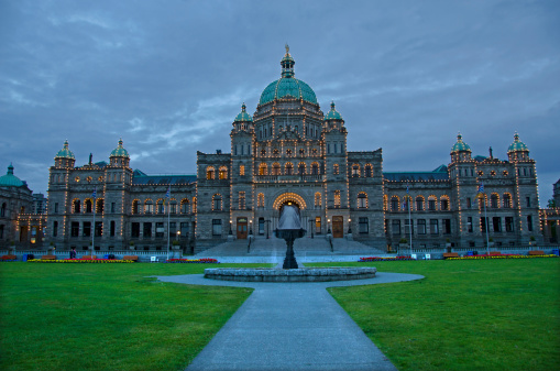 Legislation「Parliment building in Victoria, British Columbia」:スマホ壁紙(12)
