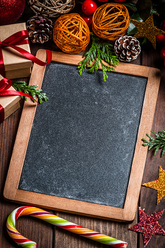 Candy Cane「Chalkboard and Christmas decoration」:スマホ壁紙(18)