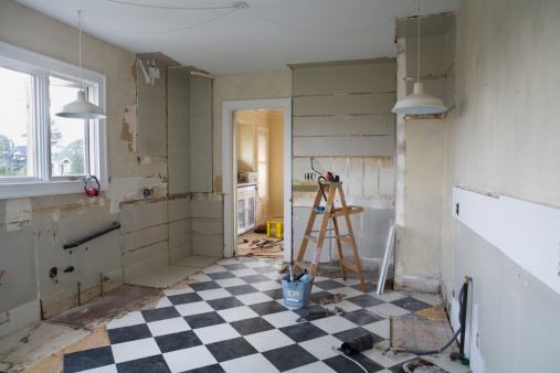 Restoring「Damaged kitchen interior before restoration」:スマホ壁紙(2)