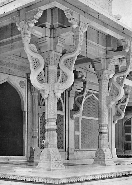 UNESCO World Heritage Site「Fatehpur Sikri Pillars On Front Of Tomb Of Sheik Salem Christi」:写真・画像(14)[壁紙.com]